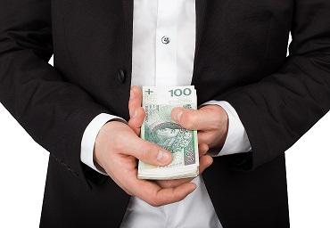 Jak bezpiecznie wziąć pierwszą pożyczkę w Internecie?